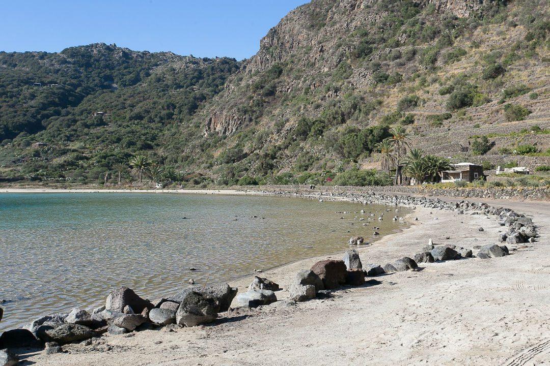 Along Lago di Venere