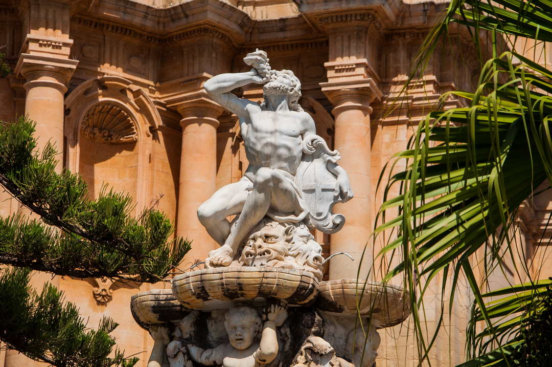 Hercules fountain Noto