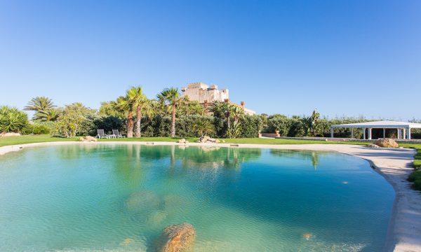 Castello di Falconara swimming pool
