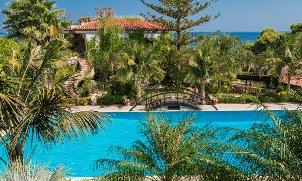 Villa Arcadia pool