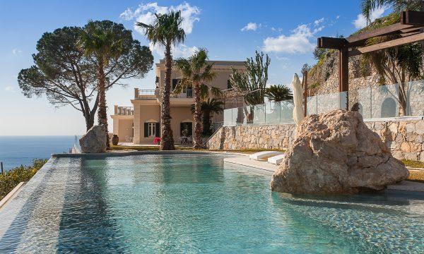Villa Cariddi pool