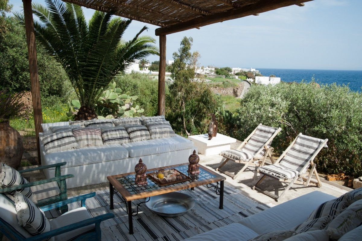 restored villa in panerea near the beach - papurina