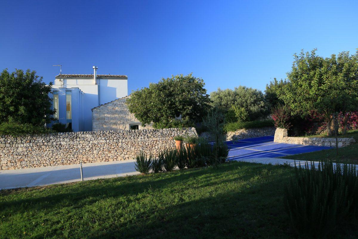Arthouse villa con piscina bio dinamica vicino la val di noto - B b noto con piscina ...
