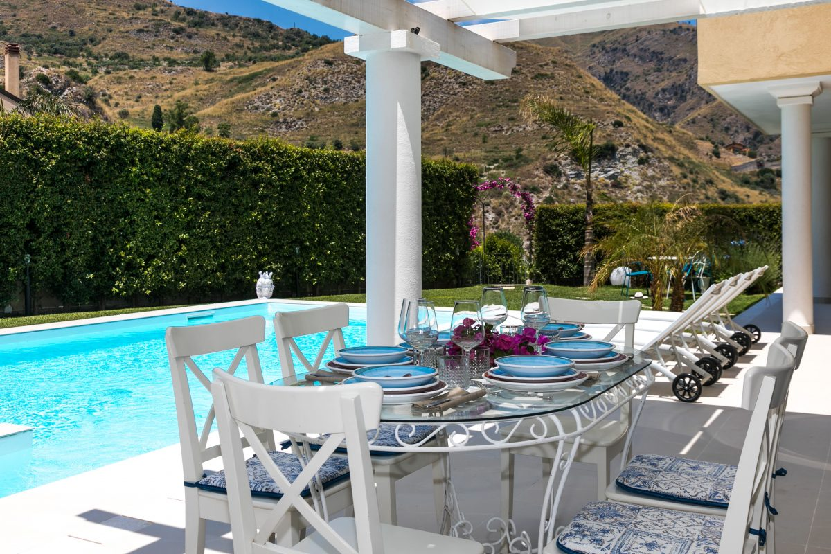 Tal 236 A Comfortable Villa With Lovely Views Of Taormina